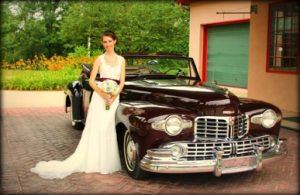 Beautiful bride with a Vintage car at Simple Pleasures